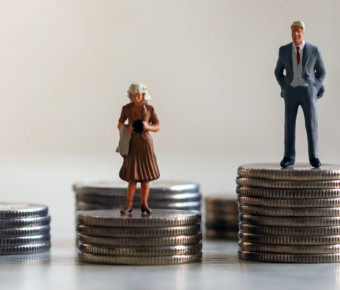 Gender pay gap targets must be set by all companies, Equality and Human Rights Commission says